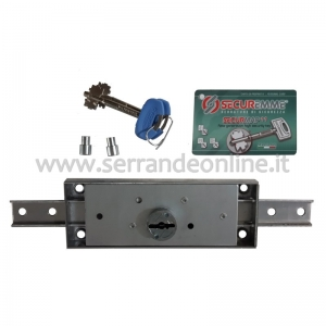 Central lock for rolling shutters and garage